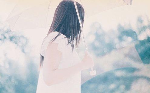 对爱情渴望的美好幻想悲伤说说:喜欢一个人啊,就是一场赌注