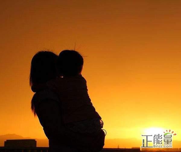 亲情语录心情说说感悟的句子:在不短也不长的人生中,唯有亲情拨动我心