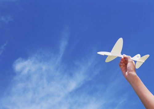qq空间经典人生感悟说说:人世间无奈多余幸福,失去的总比获得多