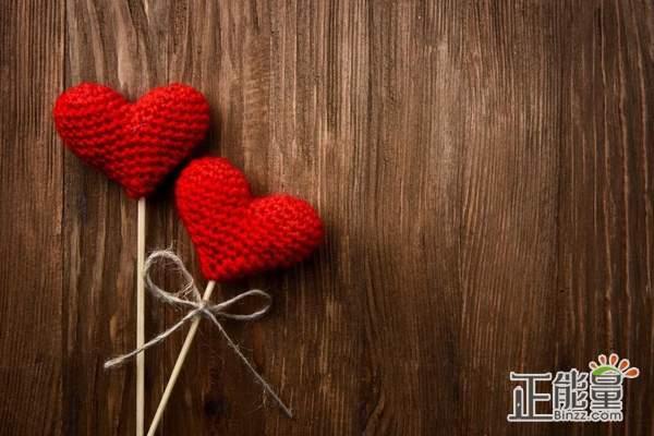 失望难过的时候感悟爱情的说说:是我走不近你,还是你真的从未珍惜