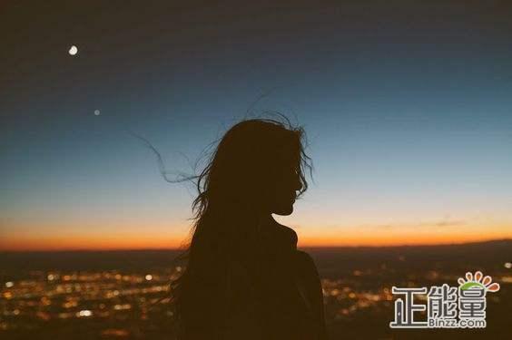 沒安全感的失落傷感心情說說:沒自信,沒安全感