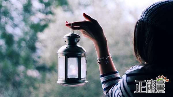 堅持的句子經典勵志語錄:人生充滿希望,愿我不負期望