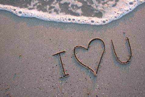 经典伤感爱情短文:我弄丢了阳光和自己。