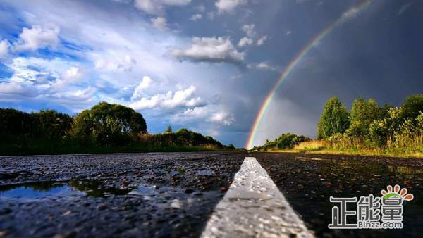 致自己的正能量励志心情说说:改变这个无力的现状,这就是我的倔强