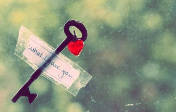 分手以后伤感爱情说说:惟愿此生,愿君安好。