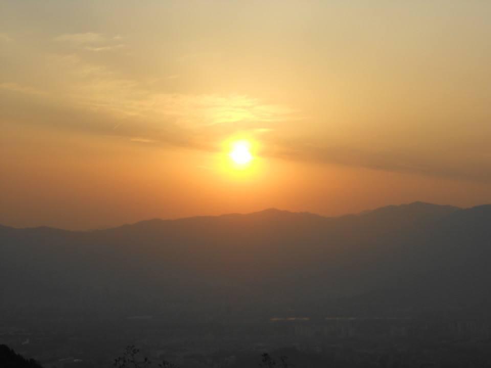 生活迷茫的心情个性说说:告别任何心中遗憾,明天太阳照常升起