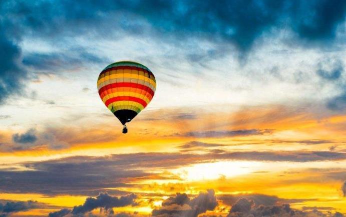 做最好的自己的经典励志名言:想要与众不同,就要享受孤独,勇敢前行