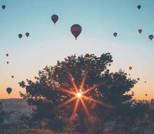 每天一句励志的话送给自己:何必担忧没人在你身边陪你呢
