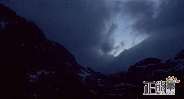 永夜漂流读后感:如果有一天,地球剩下你一个人