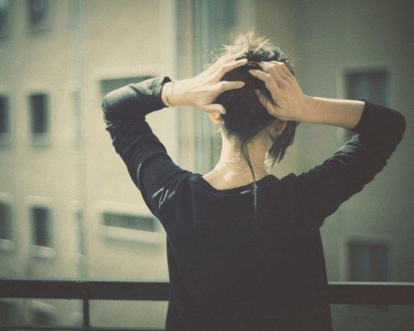 失去一个人的伤感说说爱情心酸语录:你是我得不到却不忘的心酸