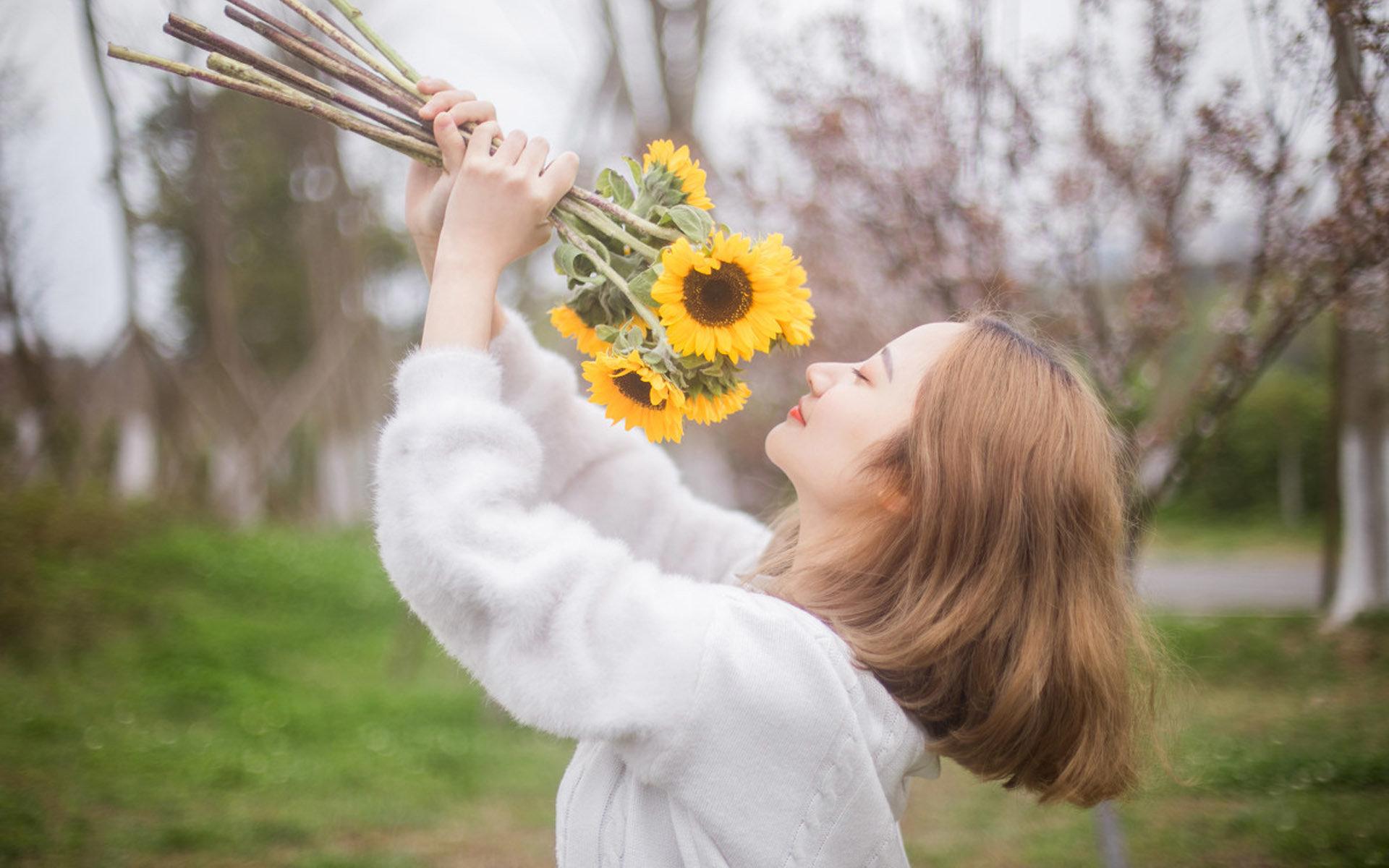 对爱情失望无奈的伤感语录心酸说说:真正喜欢上了,便不留余地
