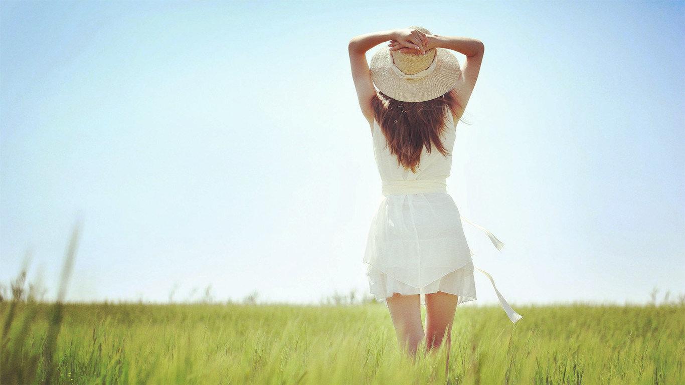 再见却是熟悉的陌生人伤感语录说说:余生不再打扰