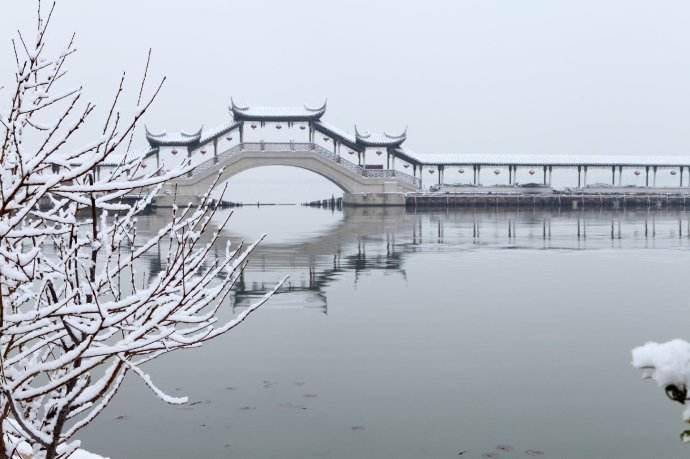关于江南冬日的优美散文:冬雨里的江南