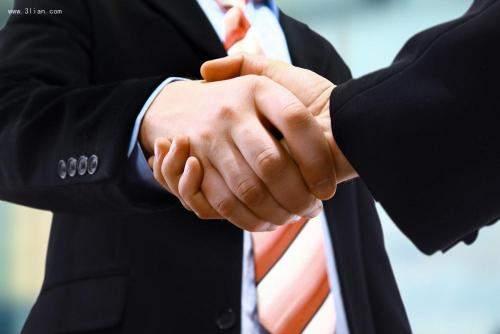 【你知道握手礼仪的原则吗有什么意思】你知道握手礼仪的原则吗?有什么原则呢?