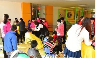 民政部官网|民政部:儿童福利院8岁以上儿童按性别分区生活,女童由女性工作人员照料