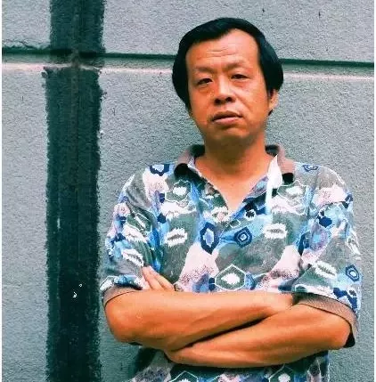 """[王小波经典情话]王小波:这个社会""""有用""""的人太多,有趣的人太少"""