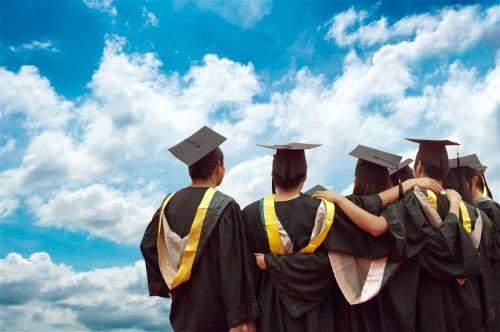 大学毕业不是同学|大学毕业给同学的一句话寄语