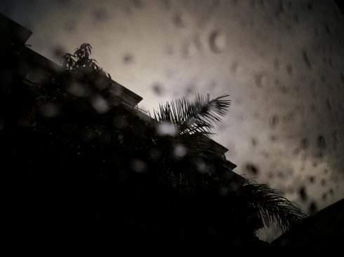 关于下雨心情不好的说说_下雨心情不好的说说语录大全