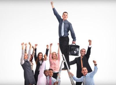 影响士气的因素包括()。A.个体、群体、组织三者目标的一致性B.