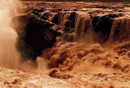 中国北极黄河站成立于()年。  A、1985  B、1989  C、2004