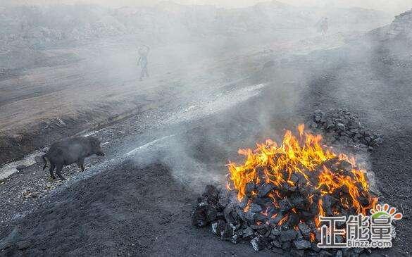 預防煤炭自然火災主要有四個方面的措施,即:開拓開采技術措施、防止