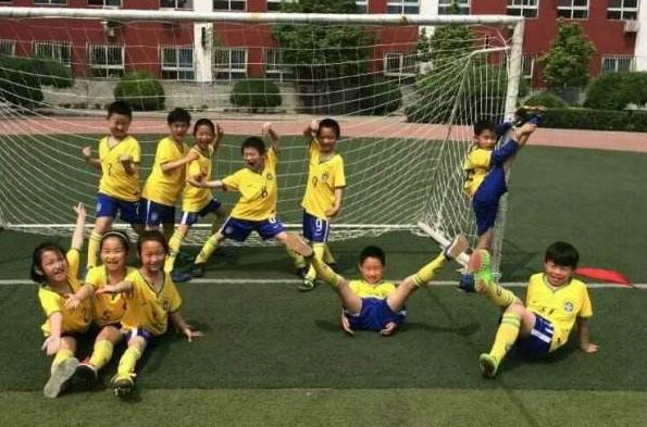 学校的足球比赛作文500字