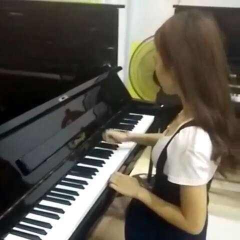 我的第一次接触钢琴作文