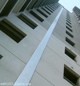变形缝适用于()。A.屋面、楼面B.墙面C.地面D.A,B,C