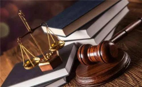 【判断题】《刑法》规定,两种情形不受追诉时效限制:第一,在检察、公安