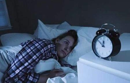 【深夜睡不着的经典句子说说心情】深夜睡不着感慨的经典句子