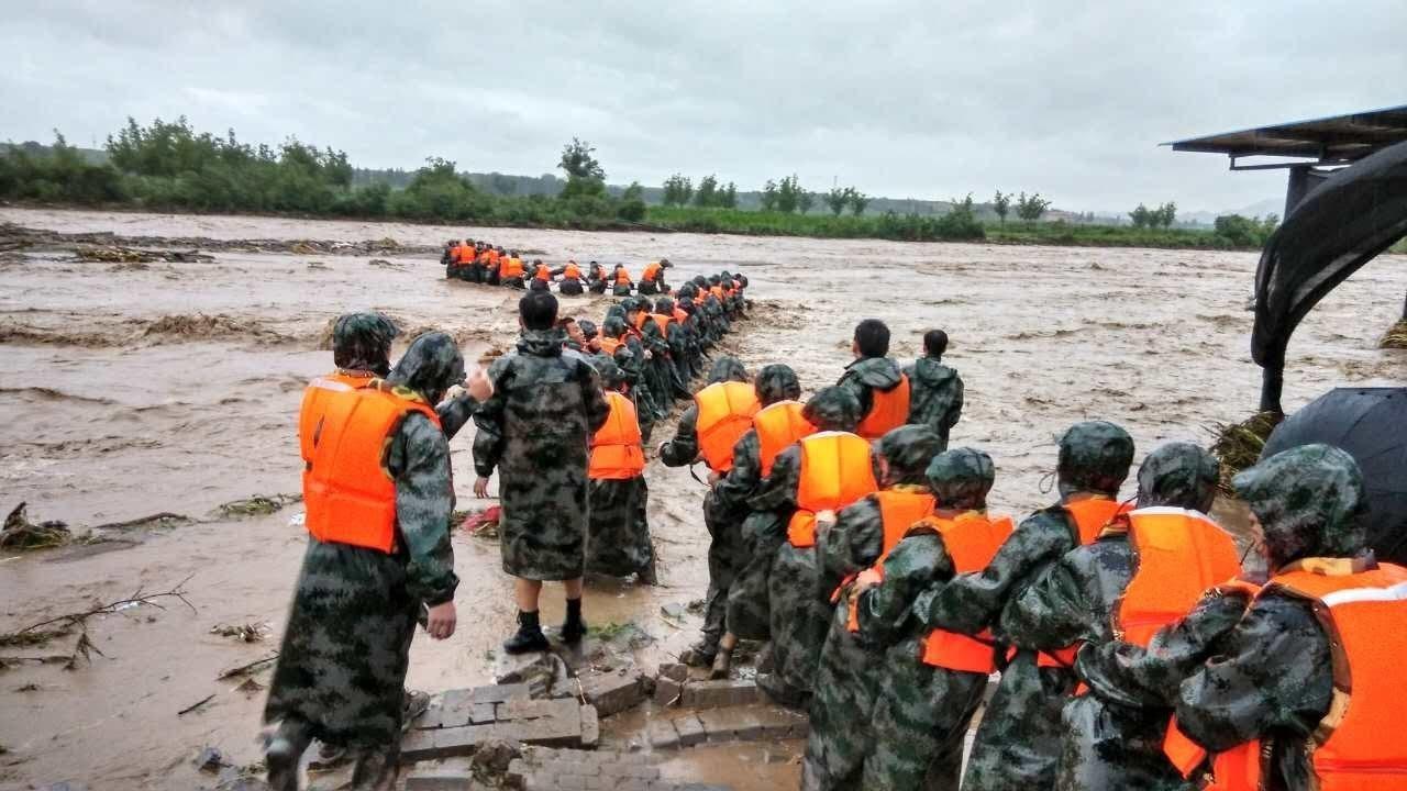 2018抗洪抢险纪实:风雨中,我们在