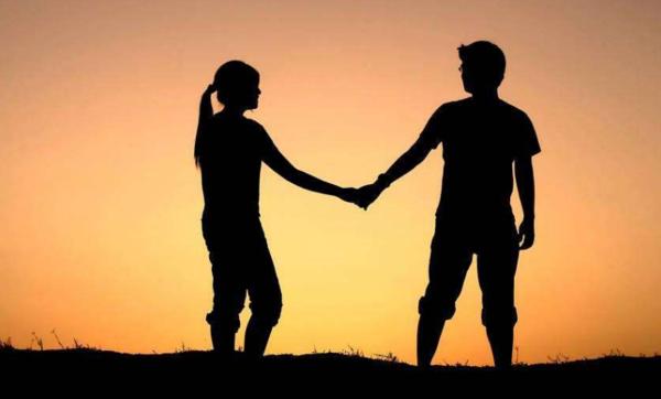 情感故事:爱情的摆渡人