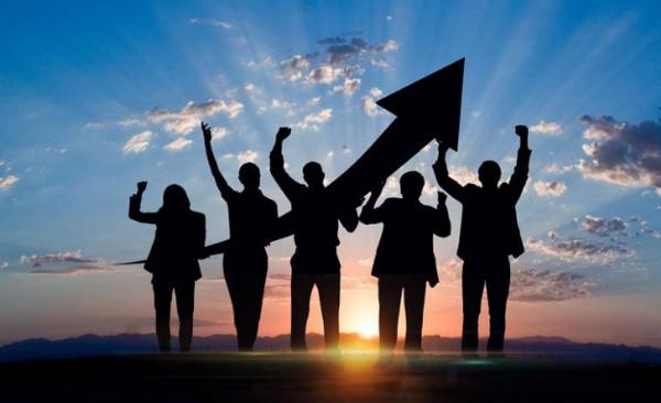 【奋斗正能量励志图片】奋斗上进励志正能量名言语录:只要是对的事情,再艰难也不能放弃!