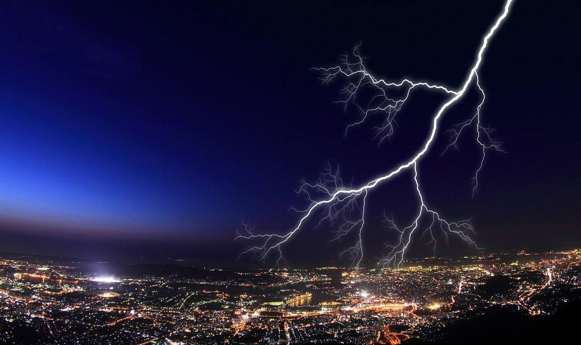 关于暴风雨的三幅素描的作文300字作文