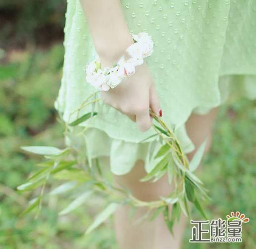 人生感悟心情说说精选唯美句子:想要不一样的未来,那么就只能努力