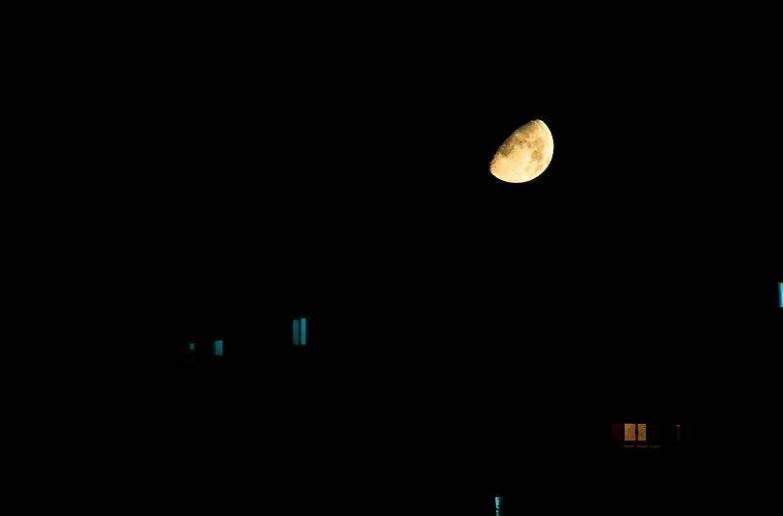 晚安心语正能量励志语录:晚安,每一个在深夜里徘徊的人儿