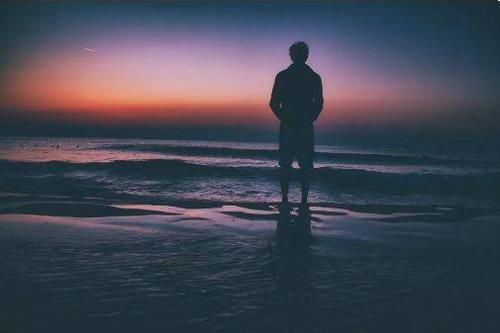 励志语录:我从来不怕被人瞧不起,就怕自己不争气