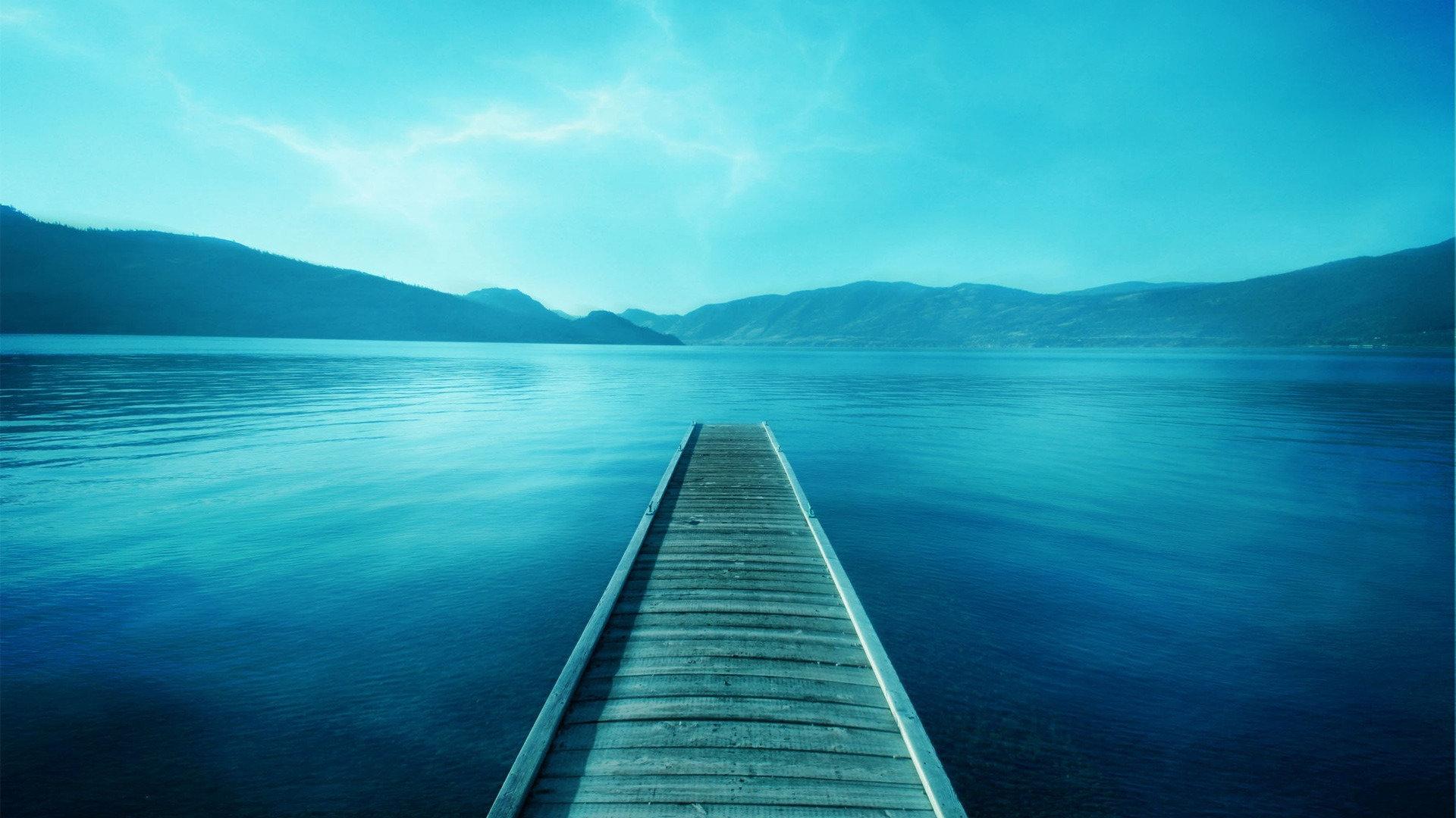 一个人必须坚强的句子正能量说说:你的努力终将美好