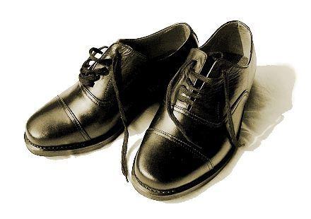 关于一双鞋子的三十年往事散文欣赏