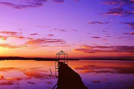 夕阳下的天堂湖美文欣赏