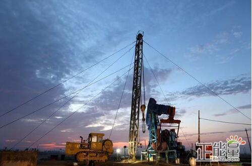 重点推进页岩油气提产技术攻关、石油难采储量评价动用、()、CO2