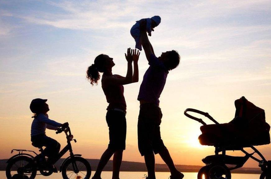 时光请善待父母句子心情说说:我会努力,快快长大