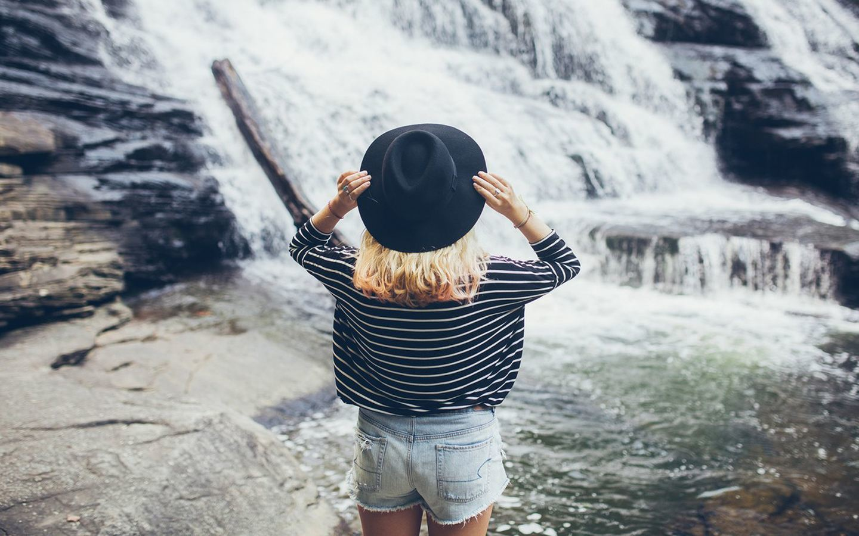 享受一个人的孤独心情语录说说:享受孤独的快乐,简单却美好