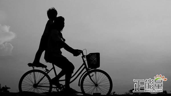 父亲的自行车回忆散文欣赏
