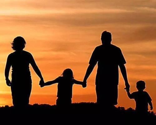 学会体谅父母的句子感恩说说:待在爸妈身边,伴他们到老